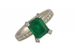 Ring 18kt Weißgold Smaragd Diamond