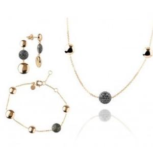 Schmuckset aus Halskette, Armband und Ohrstecker