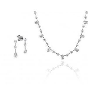 Schmuckset bestehend aus Halskette und Ohrstecker in WEissgold mit Brillanten