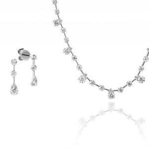 Schmuckset bestehend aus Halskette und Ohrstecker
