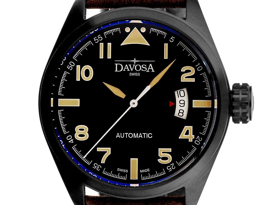 Die schwarze Davosa Military ist mit einem ETA 2824-2 ausgestattet.